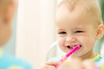 baby-tandenpoetsen